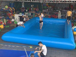 bể bơi vuông bơm hơi