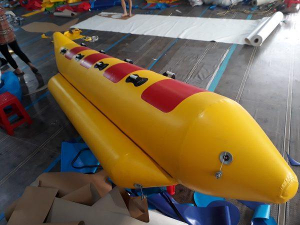 thuyền chuối bơm hơi 4 chỗ