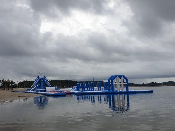 công viên bơm hơi dưới nước