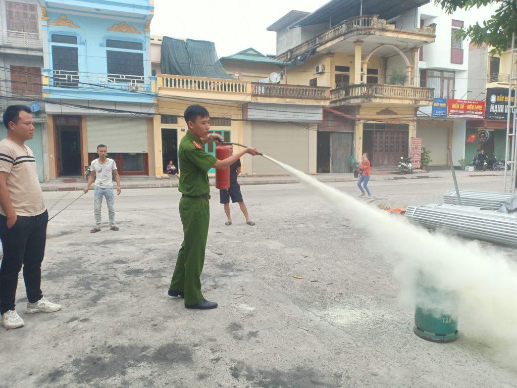 Công ty Thuỳ Linh: Tập huấn và thực hành phòng cháy, chữa cháy tại cơ sở 1