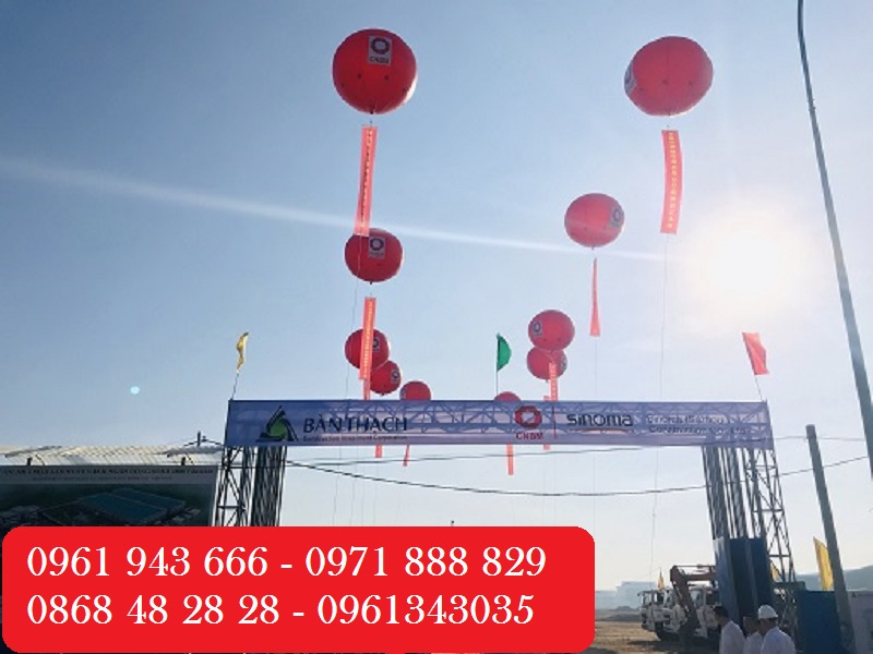 Khinh khí cầu đỏ cho sự kiện rực rỡ